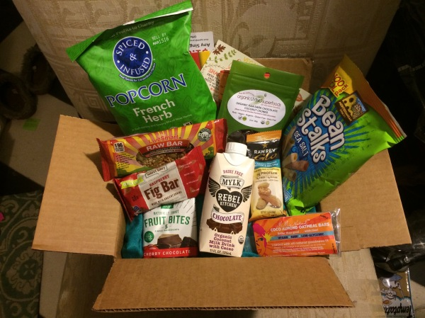 Unboxing the November Vegan Cuts Snack Box