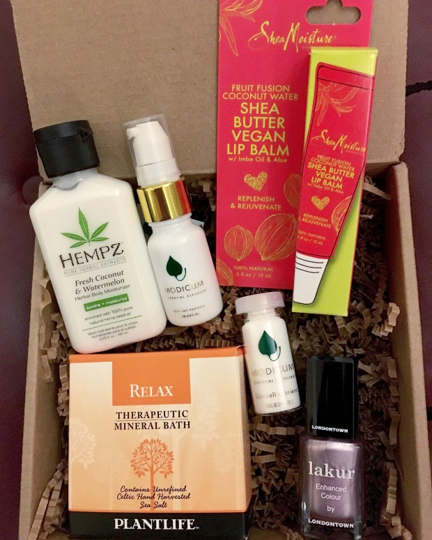"Unboxing the ""Beauty in Bloom"" Vegan Cuts Beauty Box – Hempz Herbal Body Moisturizer, Shea Moisture Lip Balm & More"