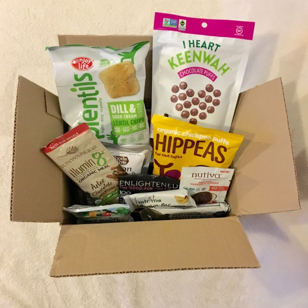 Unboxing the June 2017 Vegan Cuts Snack Box – I Heart Keenwah Chocolate Puffs, Watusse Foods Organic Tomato Basil Chickpeatos & More
